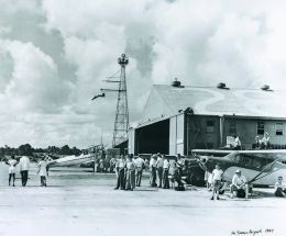 Fly-in at McKinnon 1947